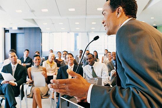 Aprenda a falar em público com cursos de oratória
