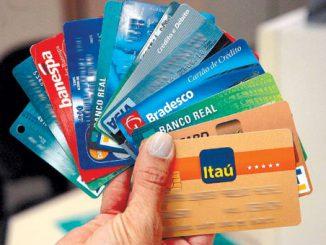 Aprenda a usar o cartão de crédito sem sujar seu nome